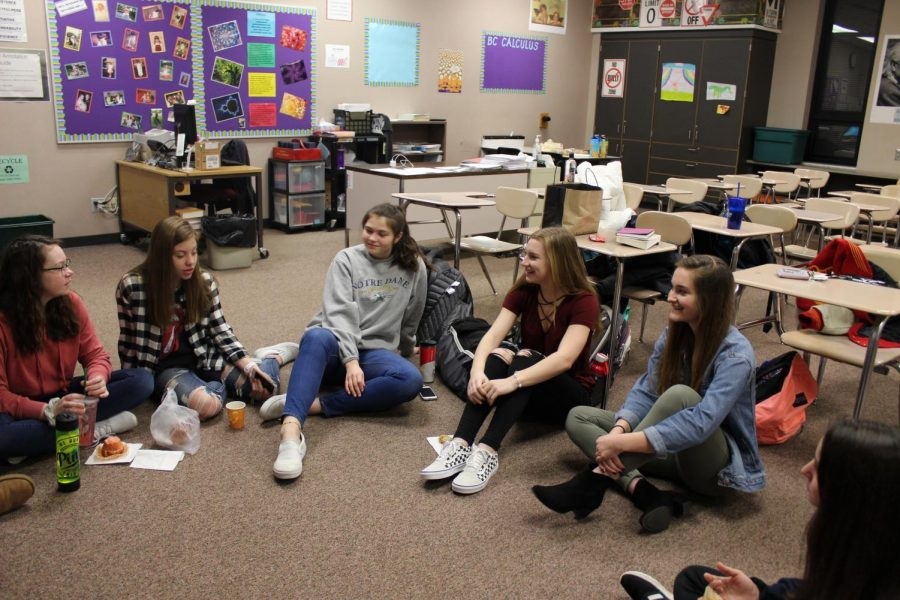 Sophomores Trinity Fine, Gabby Scott, Felisha Campanello; Juniors Morgan Dyer and Sarah Brummet meet in Amy Semancik's room before school on Tues. Feb. 5. Simple Pursuit is an all girls prayer group that has been meeting since 2017.