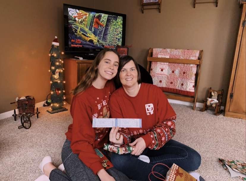 Pictured Maddie and Allison Makowski