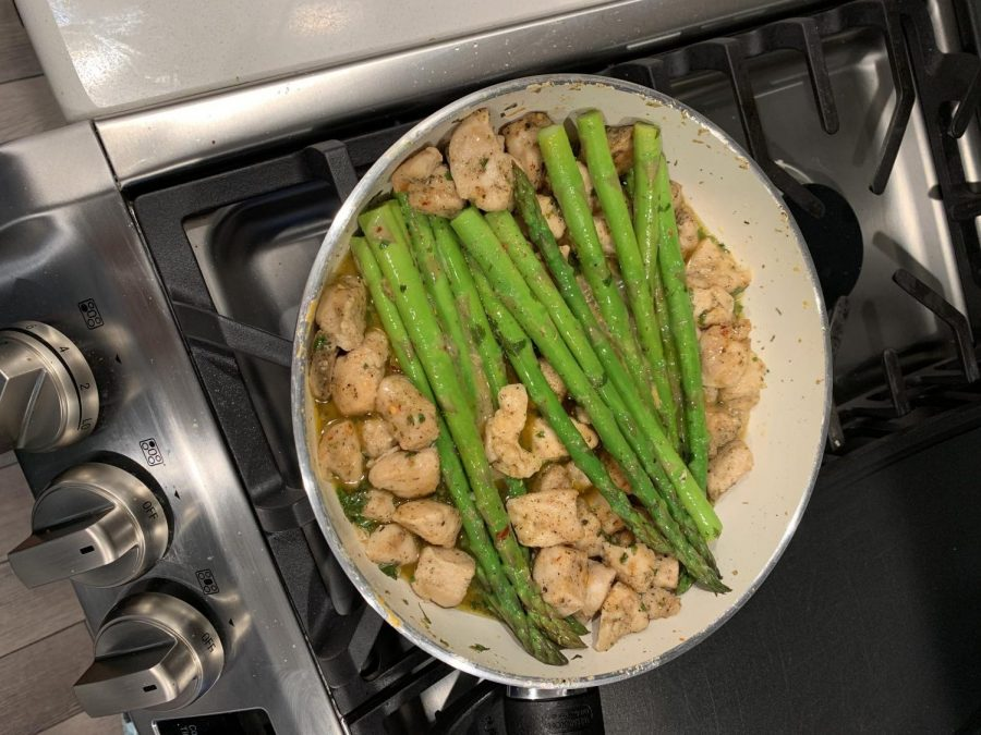 If you are looking for a healthier meal, this one is perfect. Garlic butter chicken bites with lemon asparagus. The base of the meal creates a sauce that goes well over mashed potatoes.
