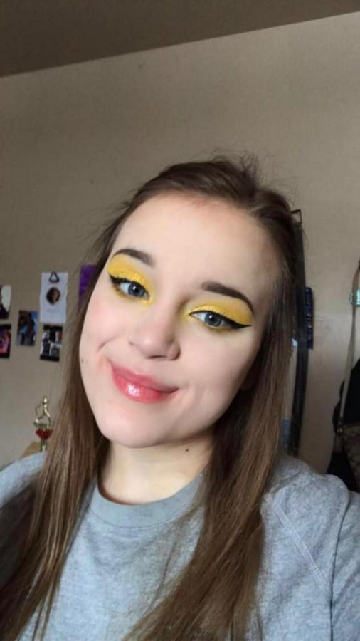 Jackie Villasenor is a sophomore with a passion for makeup. She is our GENESIS artist of the week.