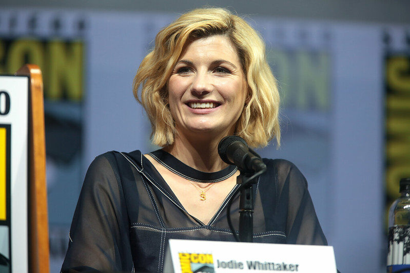 Doctor Who actor Jodie Whittaker speaking at the 2018 San Diego Comic Con. https://creativecommons.org/licenses/by-sa/2.0/legalcode / No modifications made.