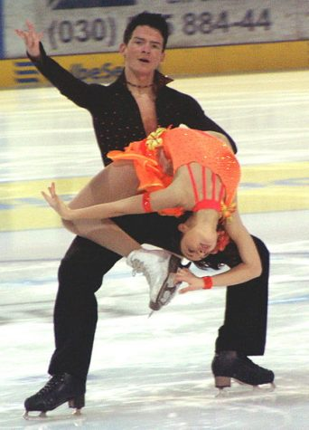 Tanja Kolbe and Paul Boll at the German junior championships 2006 in Berlin at the original dance. No modifs made. https://en.wikipedia.org/wiki/en:Creative_Commons https://creativecommons.org/licenses/by-sa/2.5/deed.en https://creativecommons.org/licenses/by-sa/2.0/deed.en https://creativecommons.org/licenses/by-sa/1.0/deed.en